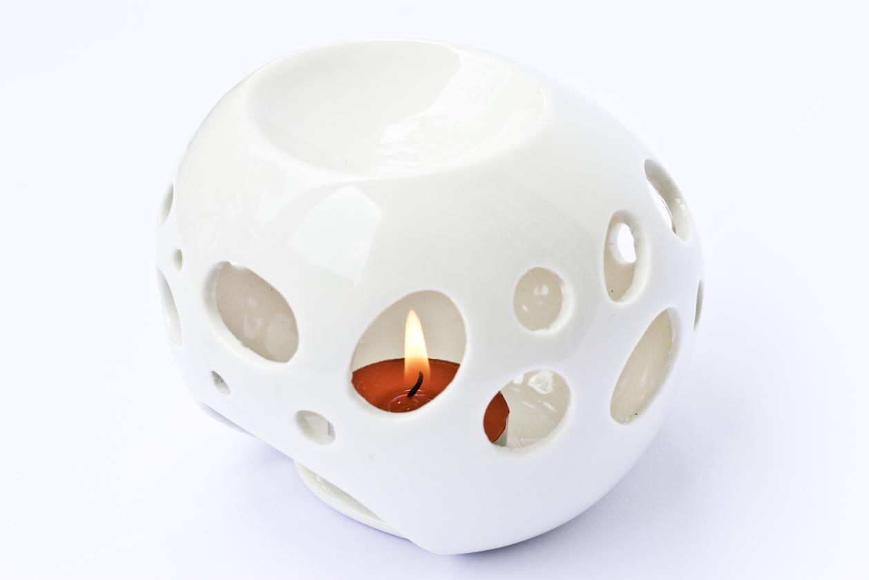 Essential Oil Burner By Candles (White)