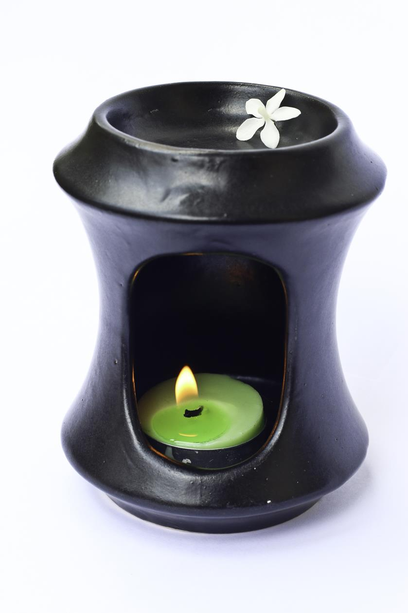 Essential Oil Burner By Candles (Black)
